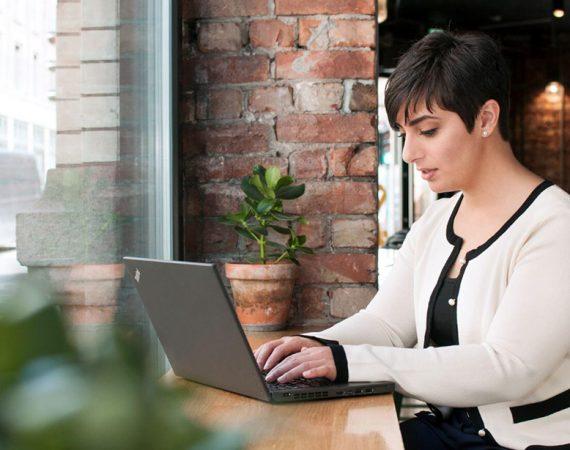 Hva gjør en virtuell assistent – sånn egentlig?